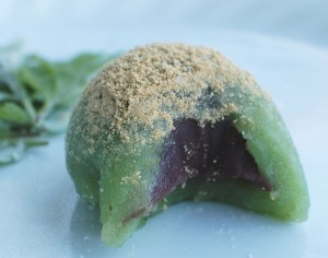 Kusa Mochi (Japanese Mugwort flavored mochi with sweet red bean filling)