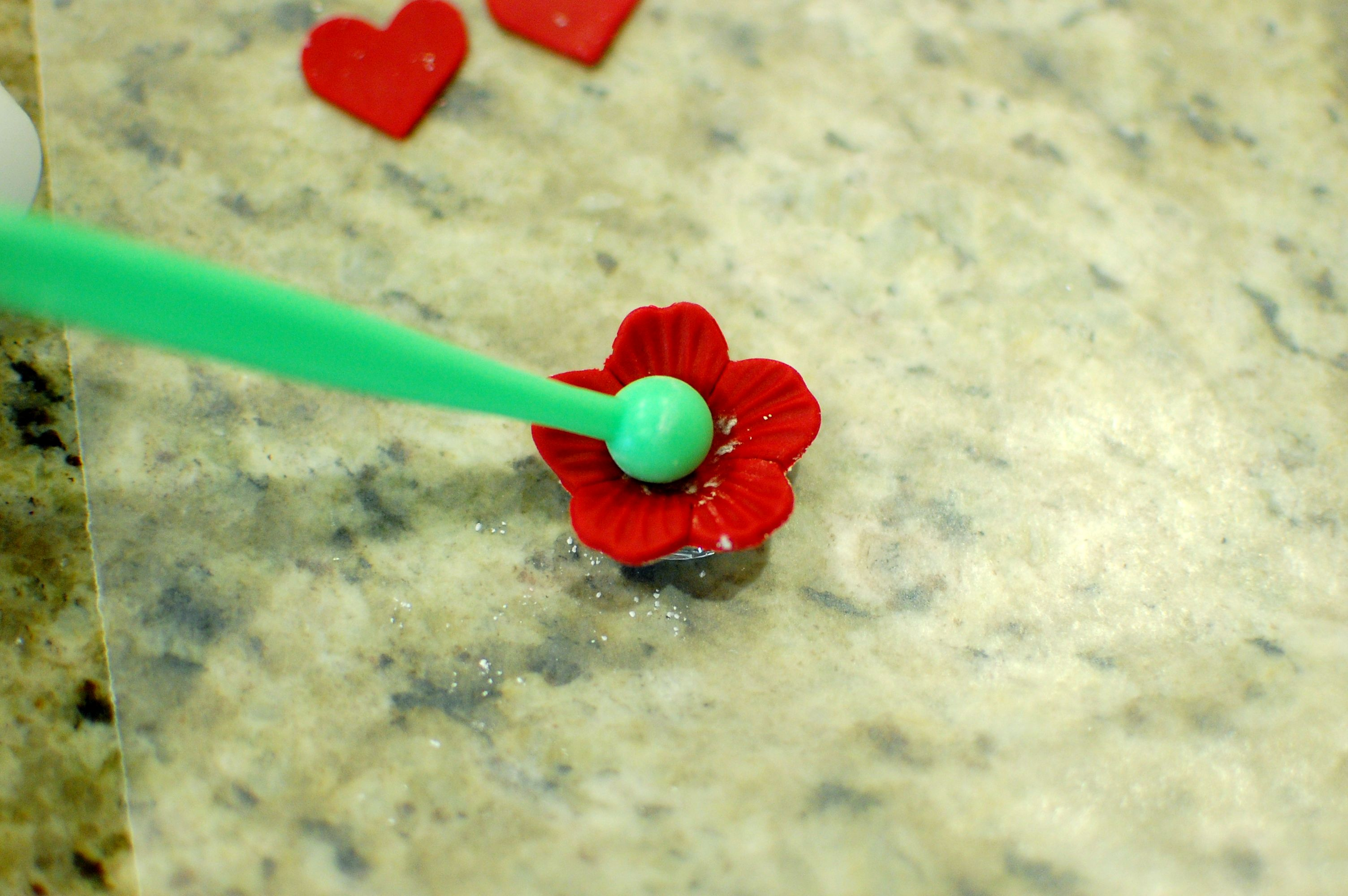 How to make fondant roses flowers and royal icing to decorate 4 izmirmasajfo