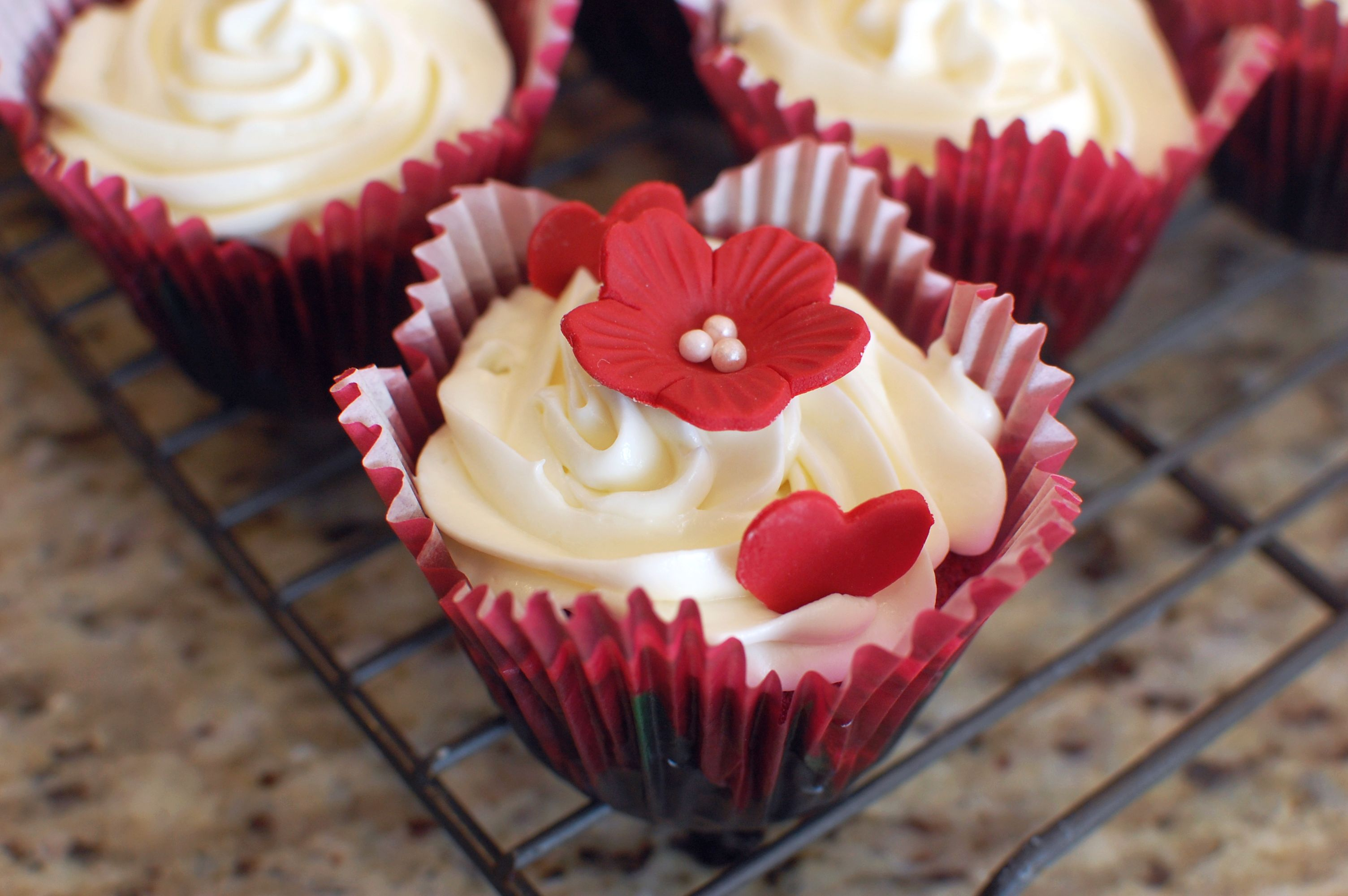 The Ultimate Moist Red Velvet Cupcakes with Cream Cheese ...