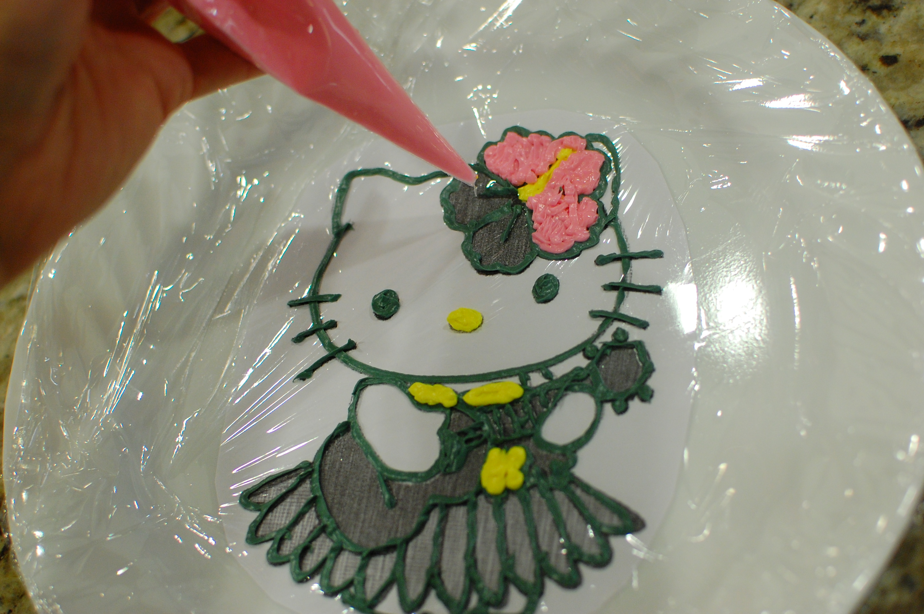 Hello Kitty Icing Cake Design : Hello Kitty Cake (how to make frosting transfers for easy ...