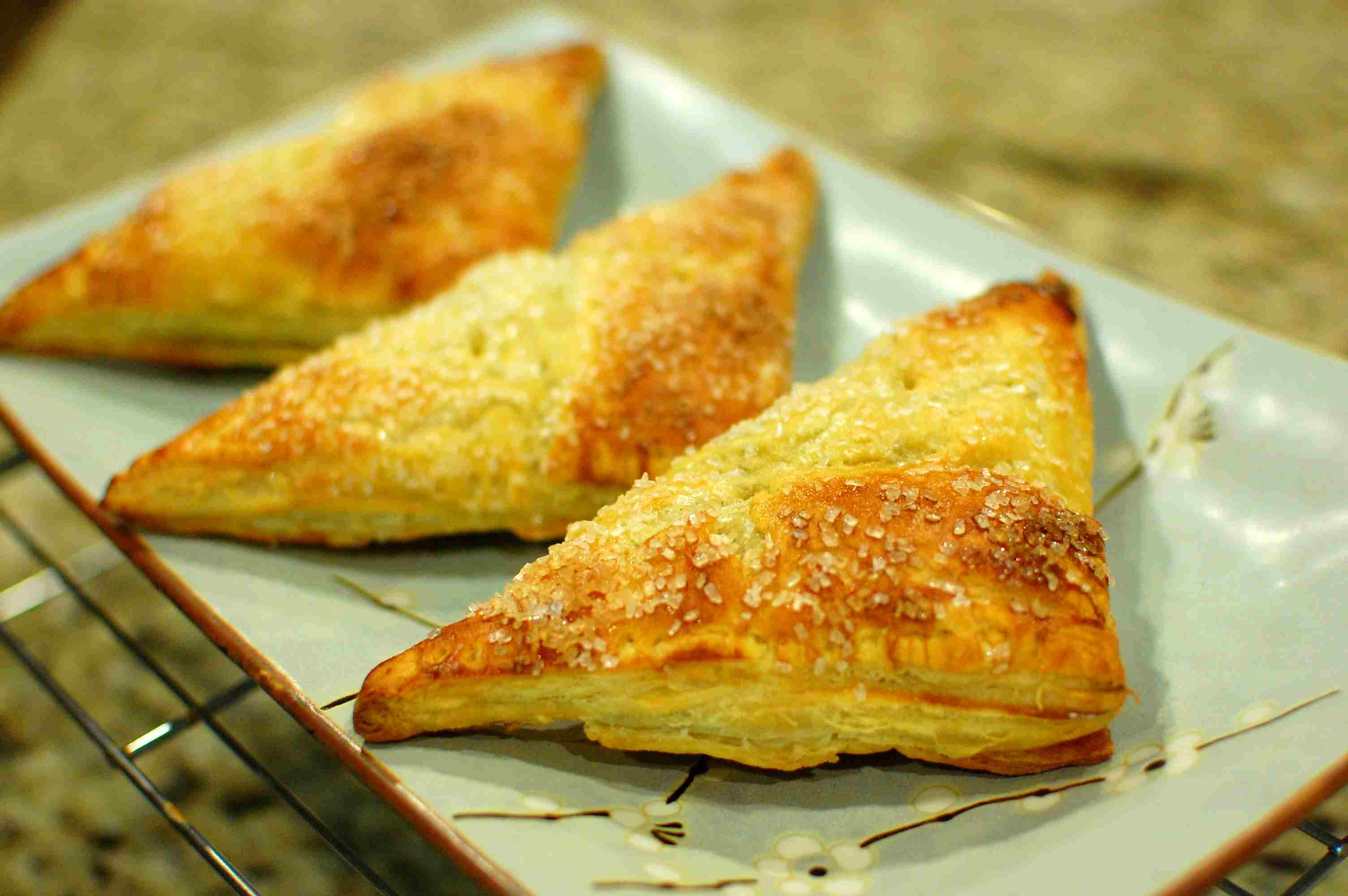 Easy Pumpkin Pie Turnovers (How to make homemade turnovers) — The ...