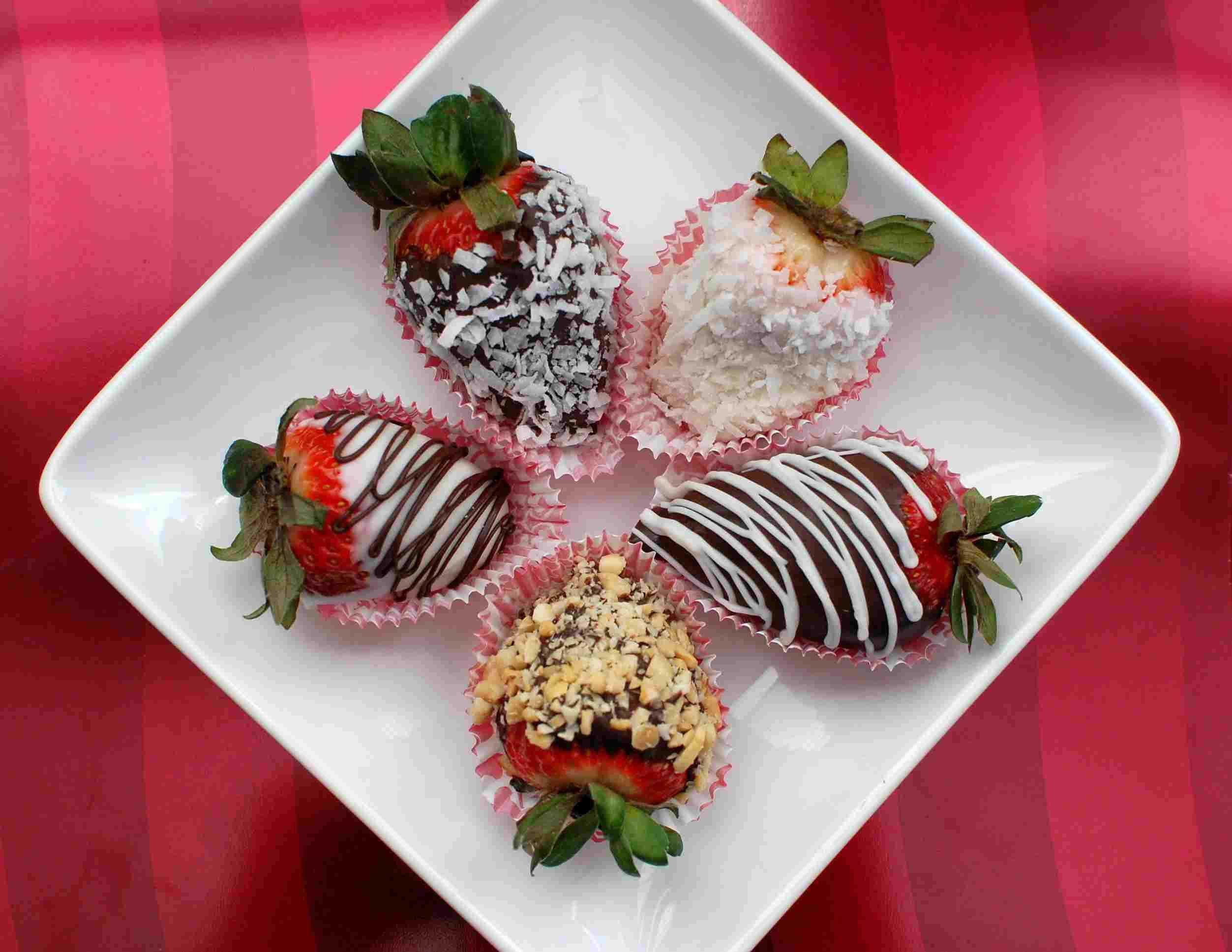 Homemade Valentines Chocolate Covered Strawberries