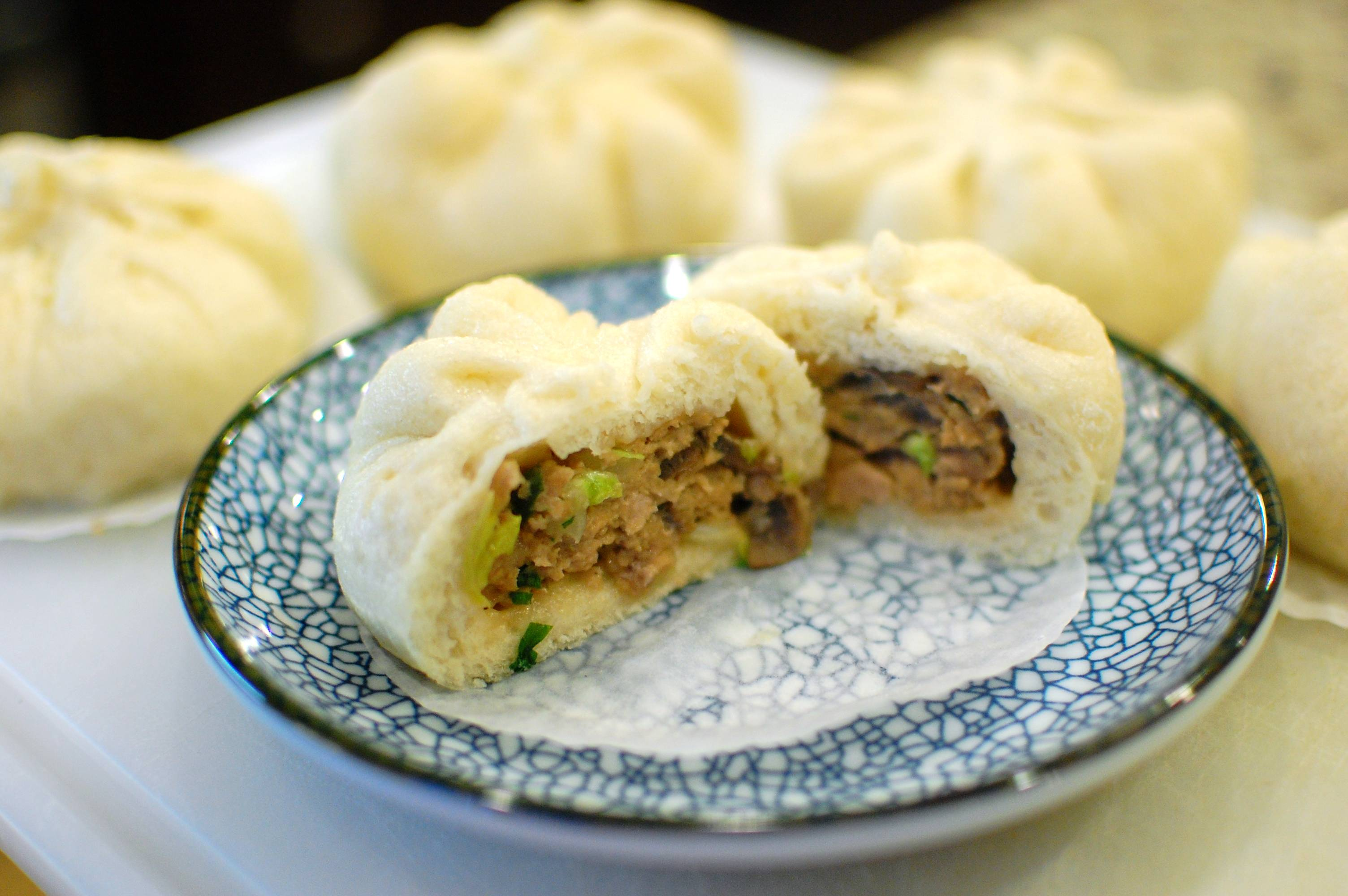 Nikuman (Japanese Steamed Pork Buns, a.k.a. Chinese Pork Baozi ...