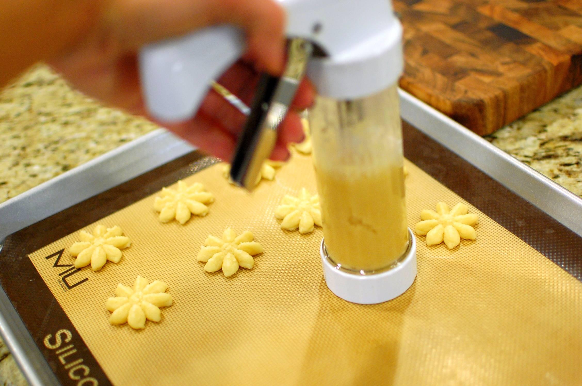 how to make press cookies